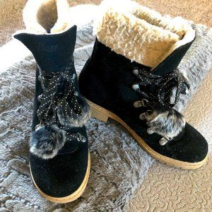 G. H Bass Sherpa Black Suede Lace-Up Boots: 5